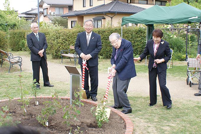 【5月7日に行われた日野原先生の記念植樹】