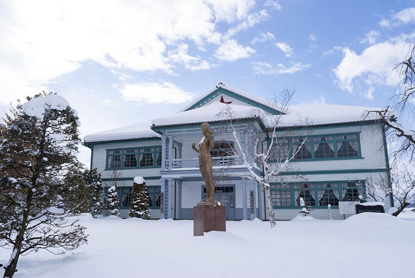 信州中野銅石版画ミュージアムも雪化粧
